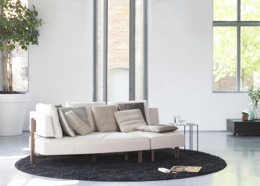 Wing Open base | WING : 1 sofa effortlessly transformable into 5 different interior experiences | JORI